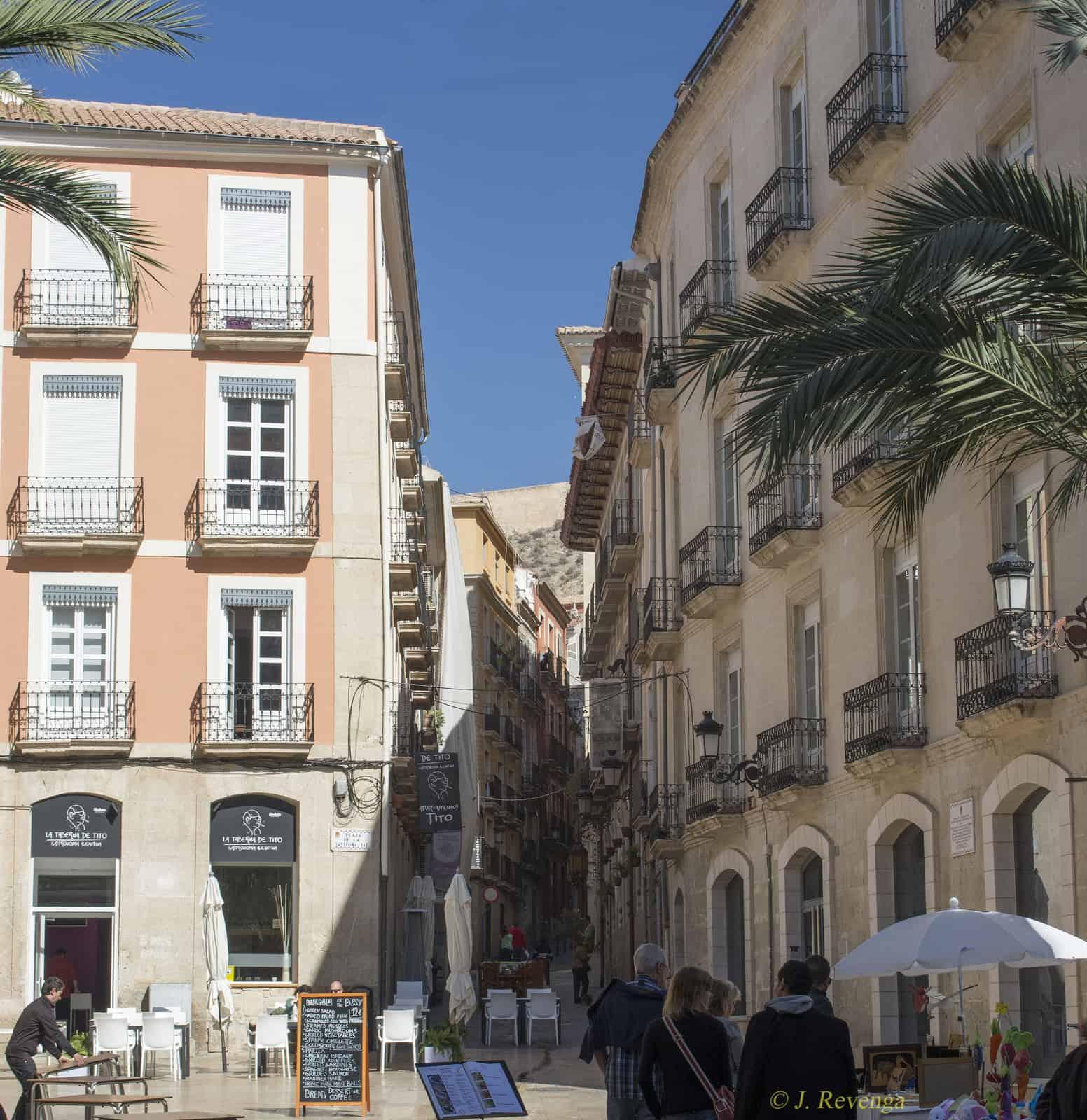 1400861846_plaza de la santa faz y san agustinpeque