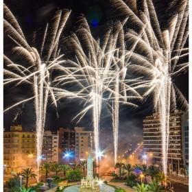 1403348960_Luceros se viste de fiesta con la mascleta nocturna I