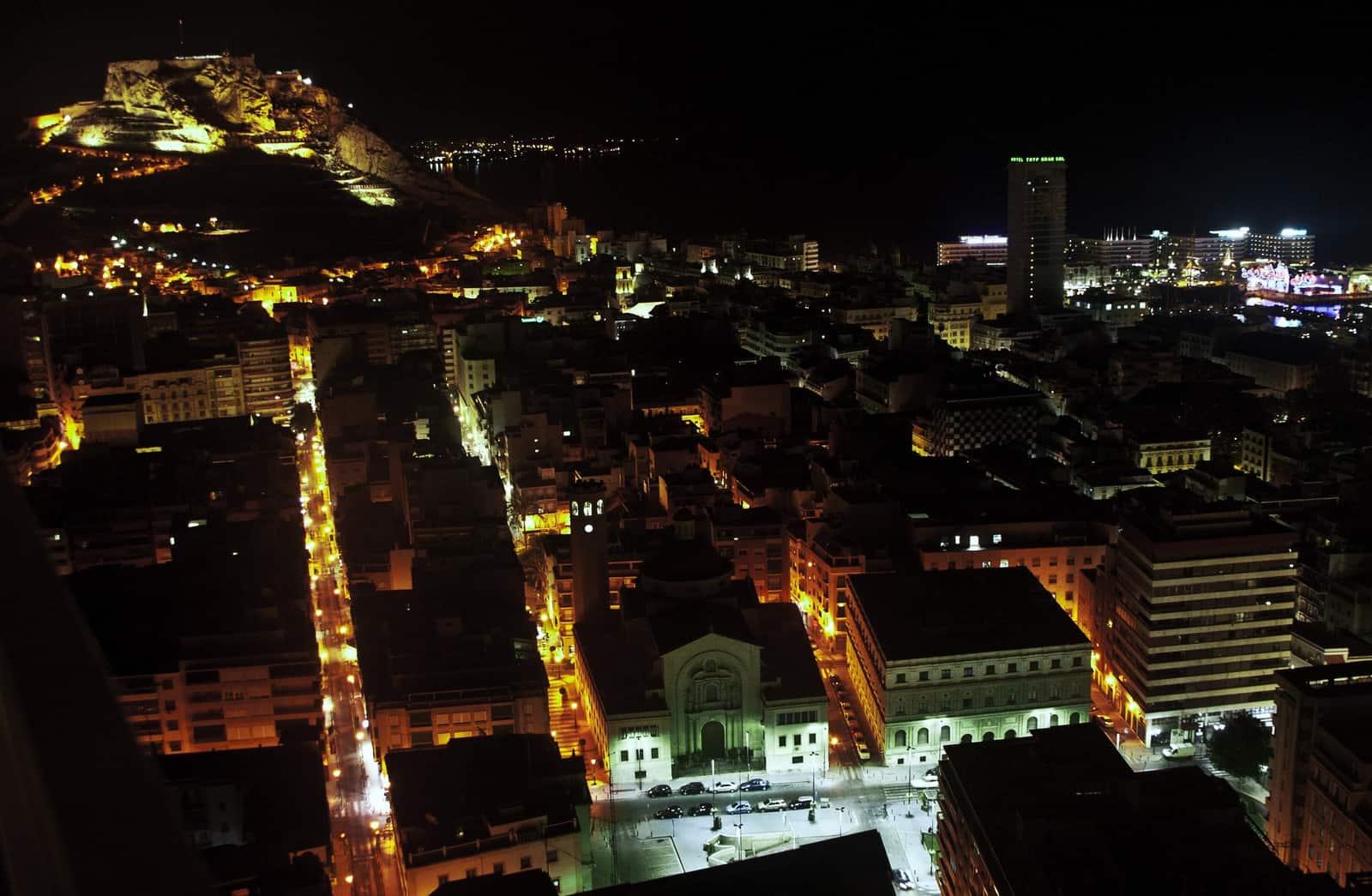 1424202585_Alicante noche_f