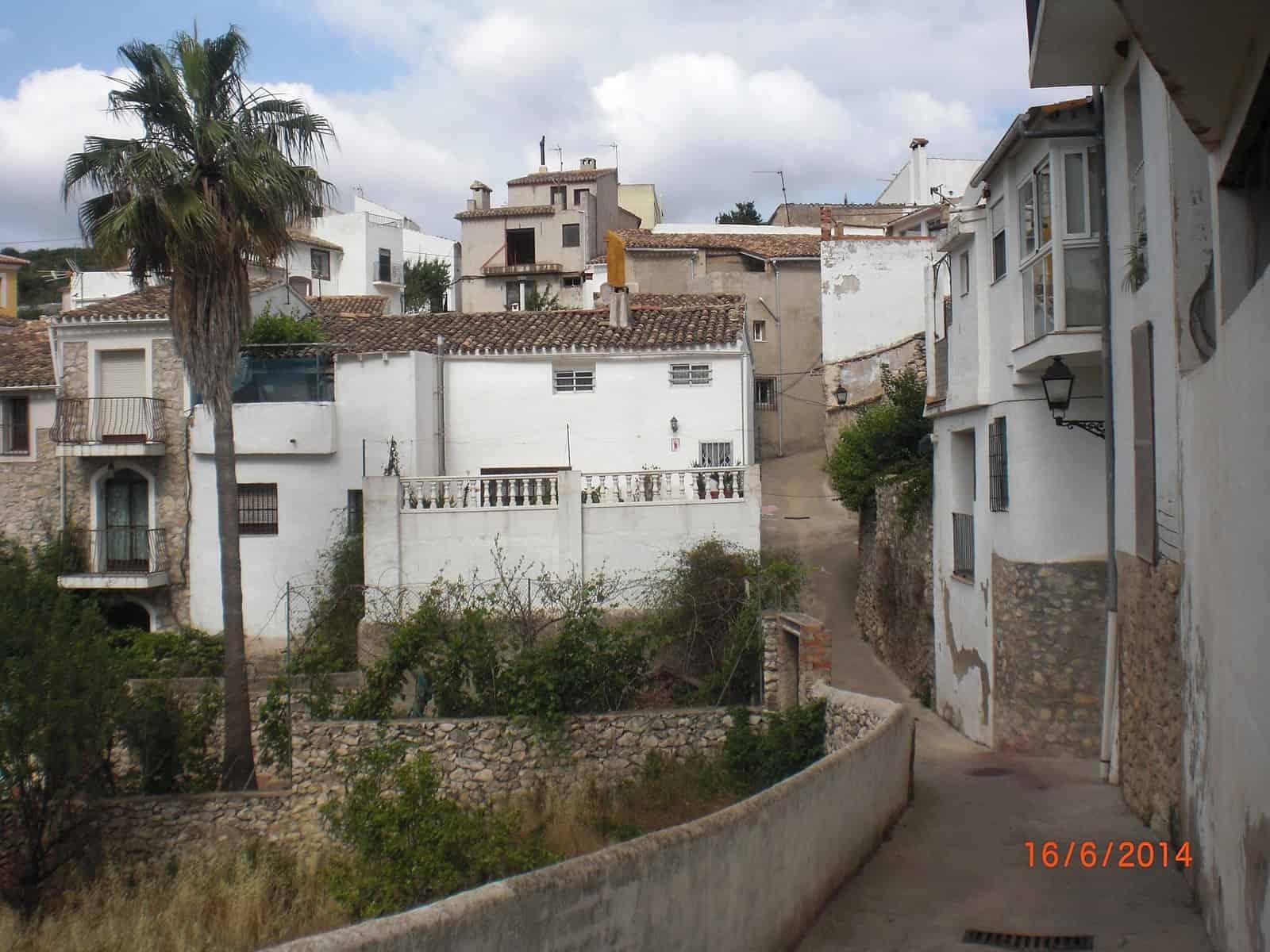 1432734885_7. Calle de Tárbena