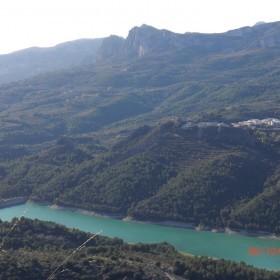 1433425886_11. El pantano de Guadalest desde el castillo del moro de Castell de Castells