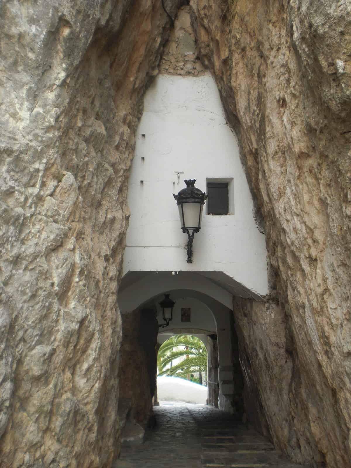 1433778944_11. Entrada al pueblo de Guadalest