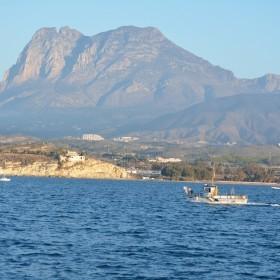 1434463445_14. El Puig Campana desde el mar