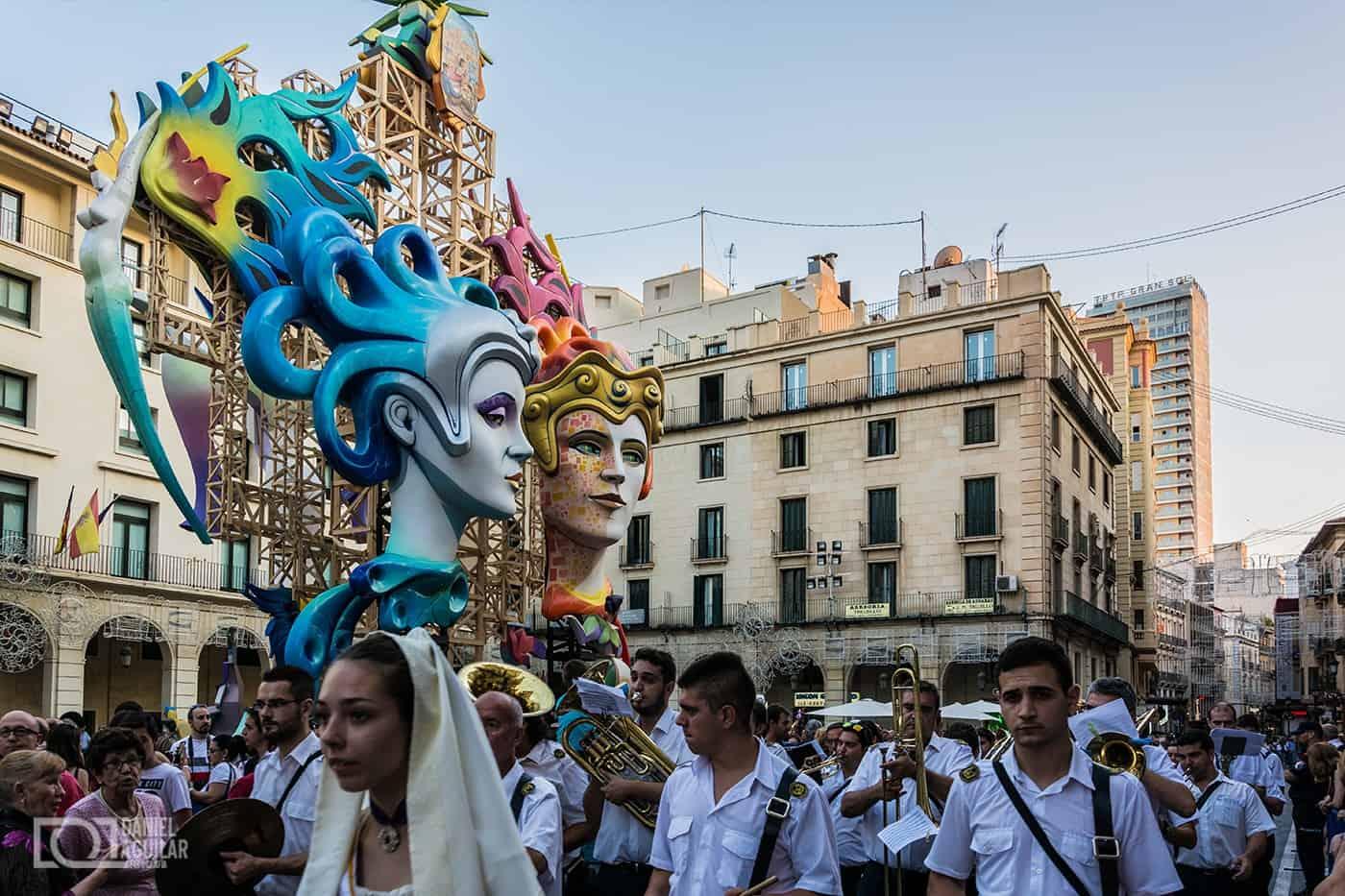 1434964325_hogueras-2015-ayuntamiento