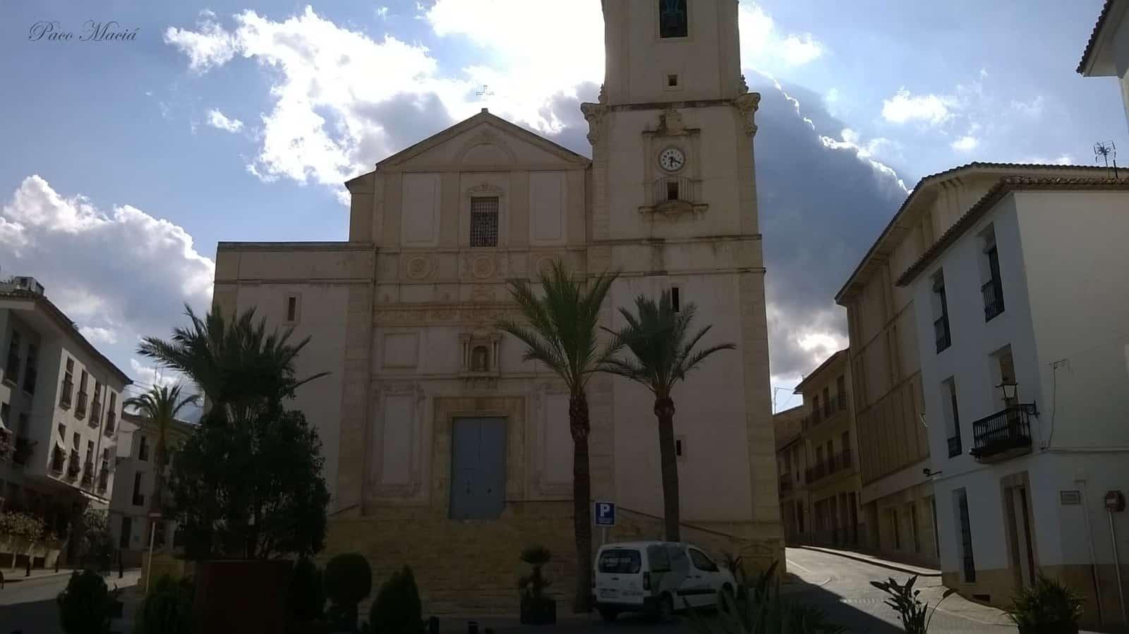 1435153461_16. La iglesia de La Nucia