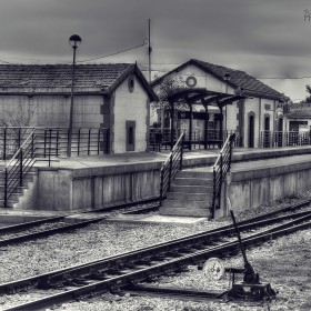 1435476261_tren blanco y negroIII