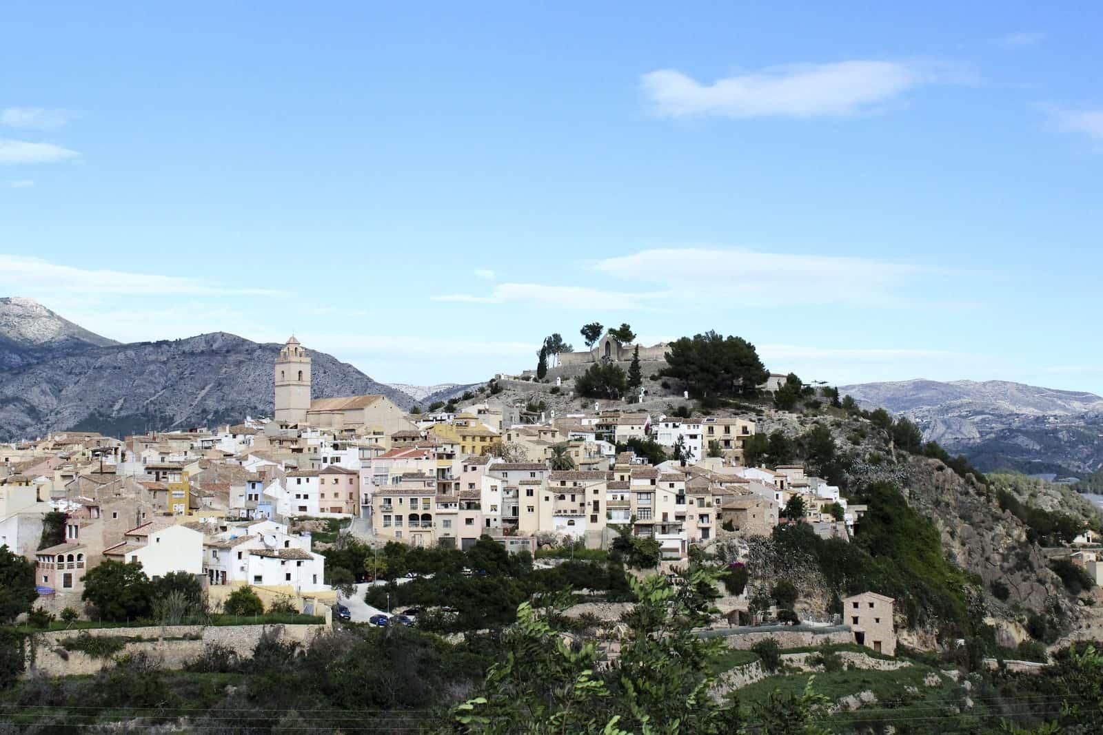 1463958402_cerca de Castell de Guadalest