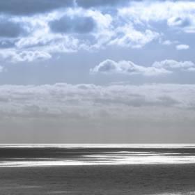 1492764651_el mar en un dia ventoso y con nubes_1