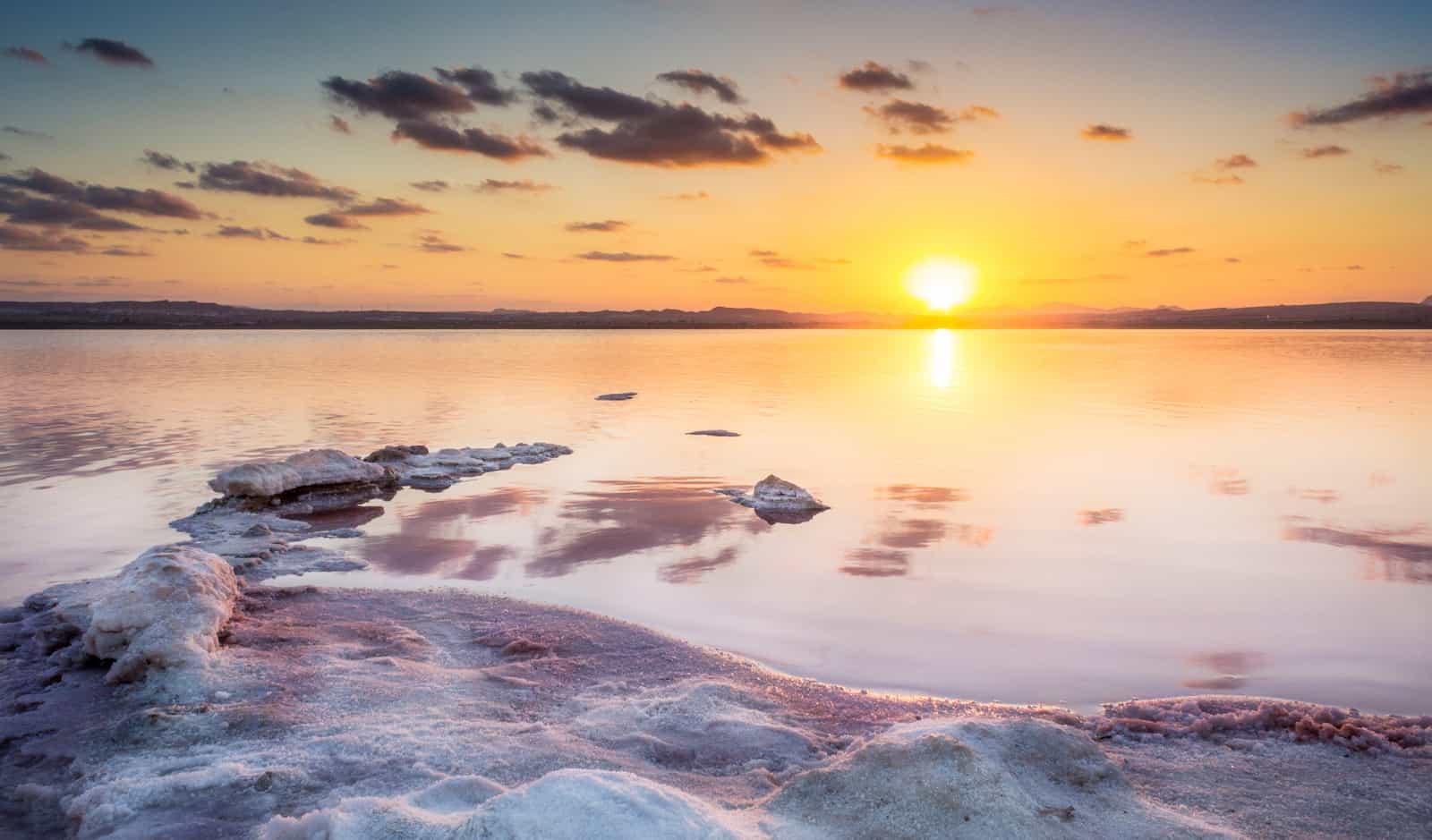 1500387219_Atardecer-sobre-playas-de-sal