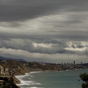 1512991498_dia de viento en Alicante