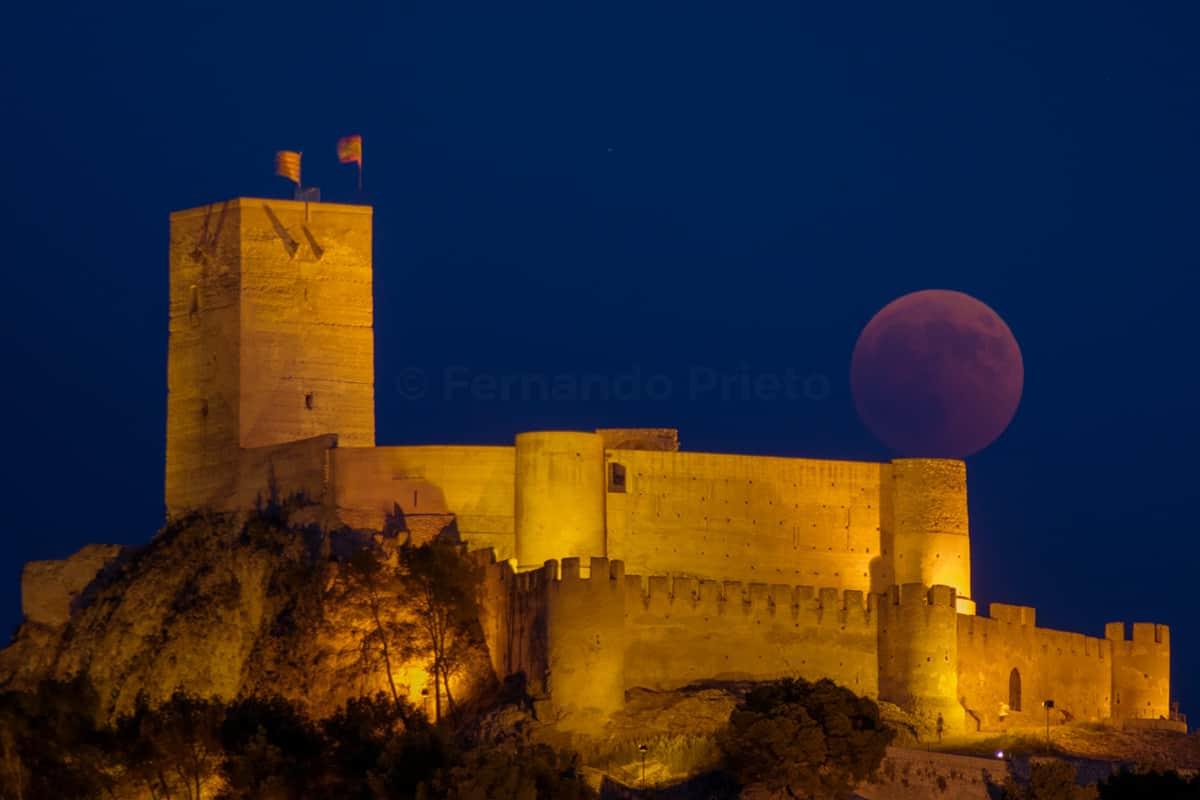 1532859066__DSC0353-luna-roja-eclipse-luna-llena-castillo-biar