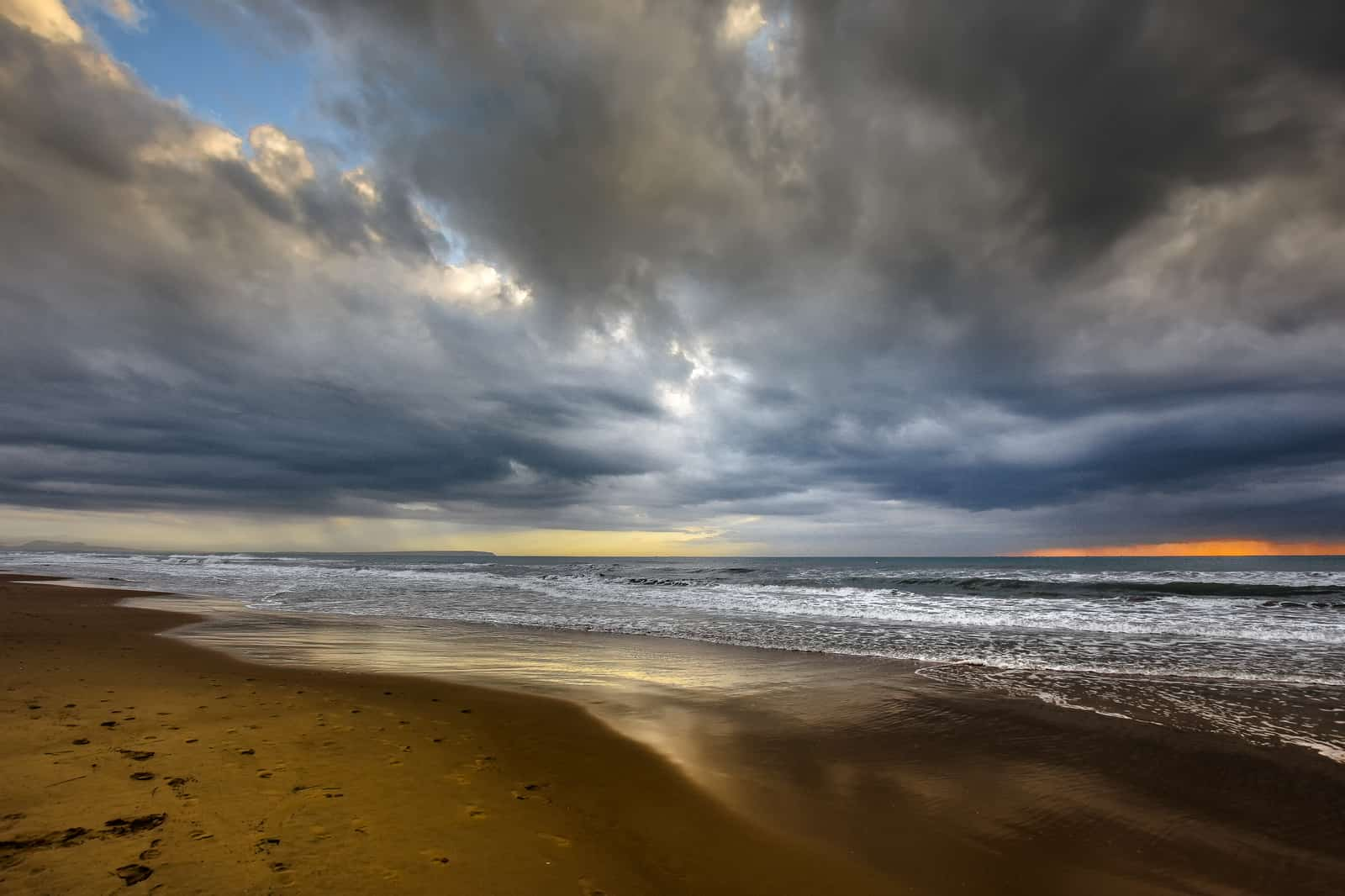1552899972_Guardamar Beach
