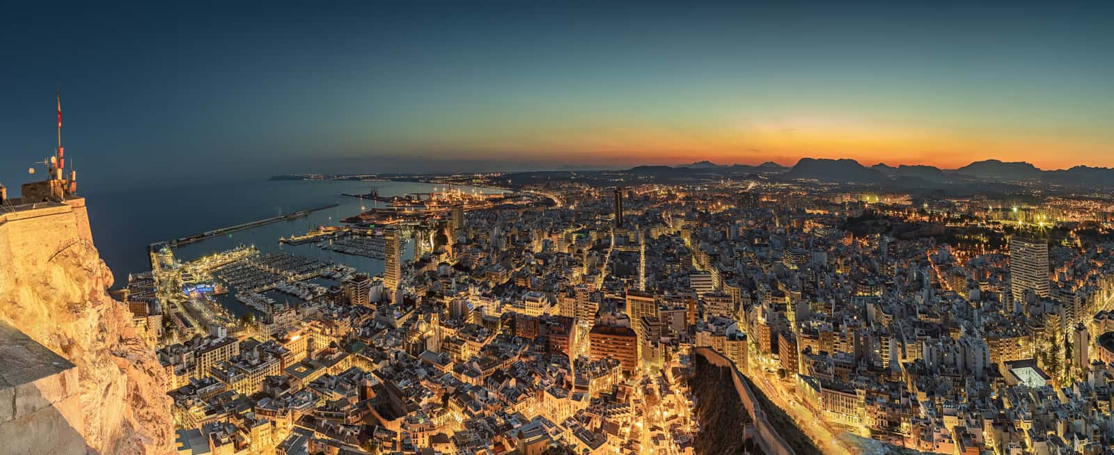 1555948514_Alicante la nuit-1