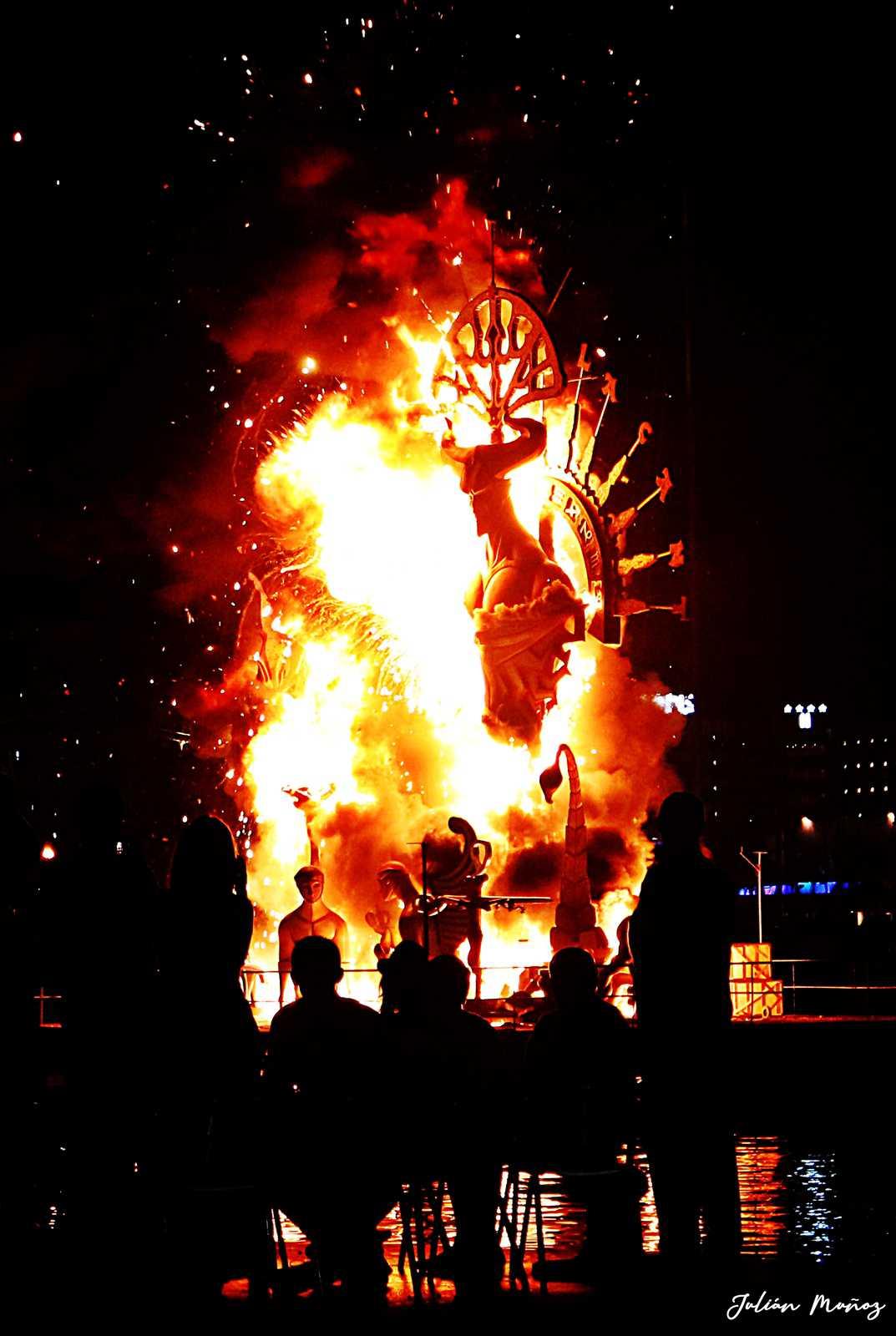 1566937948_Fiestas y Fuego