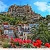 El Castillo de Santa Barbara desde el Barrio de Santa Cruz, Alicante