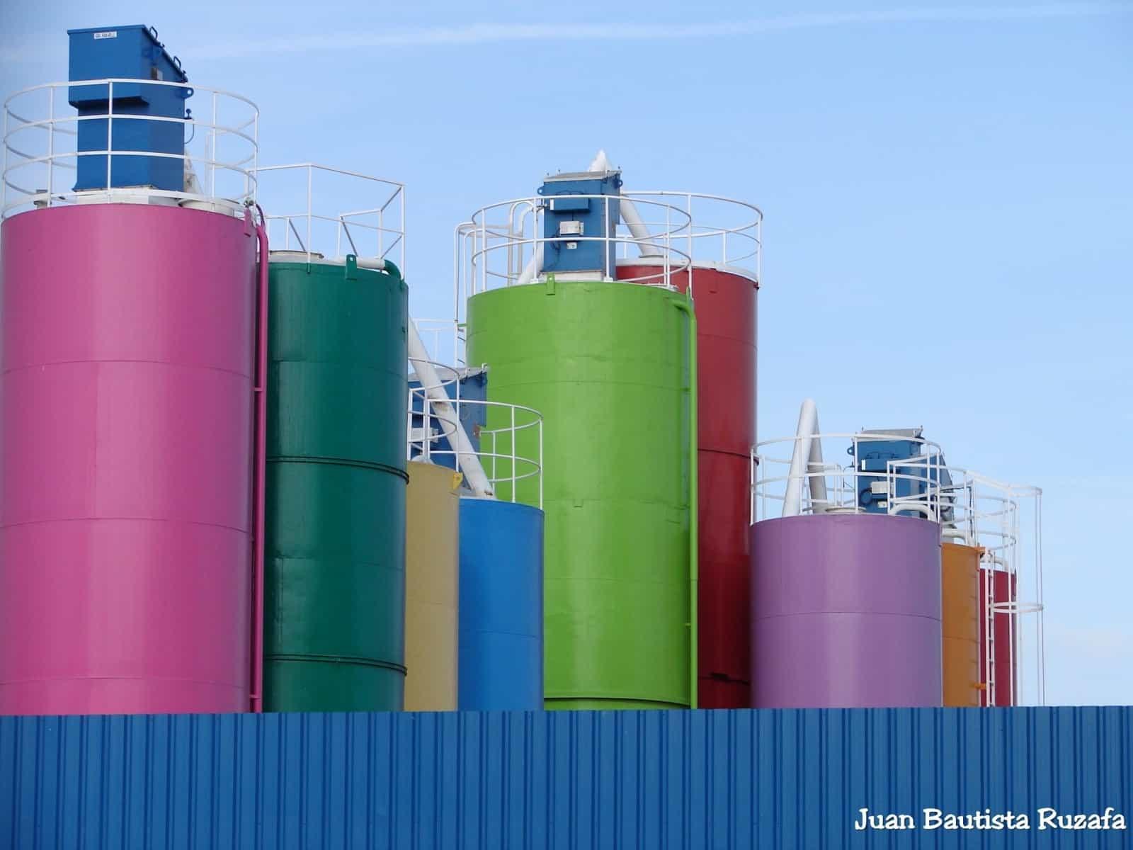 Fabrica cemento y pintura 2010 001