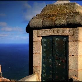 Garita de la campana en el castillo Santa Barbara